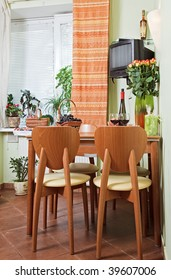 Kitchen Table and chairs with fruit basket
