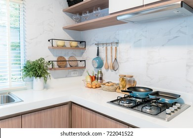 Kitchen Wall Tiles Images, Stock Photos & Vectors | Shutterstock