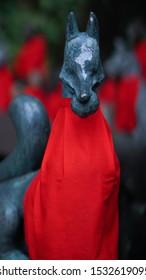 a kitsune fox at a tokyo shrine