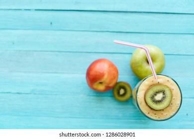 kiwi apple smoothie top view