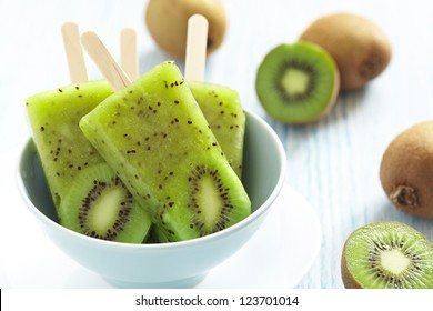 Kiwi Ice Cream Popsicle with Lime