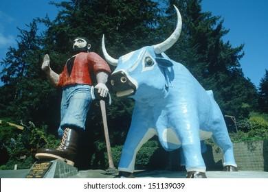 KLAMATH, CALIFORNIA - CIRCA 1980's: Paul Bunyan and Babe, the Blue Ox in Klamath, CA