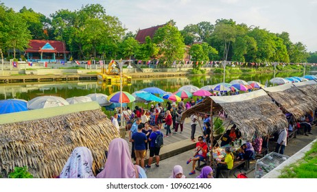 klong Hae, Hat Yai / Thailand - May 12th 2018 : Klong Hai Floating Market is a famous for food vendors pack their wares onto small boats and jostle with each other for the attention of buyers