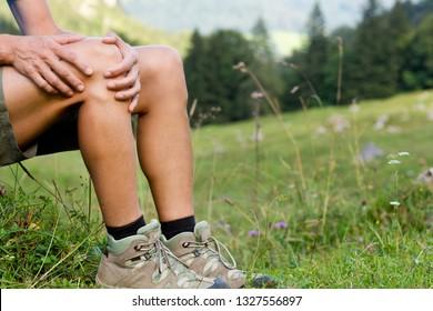 Knee pain while climbing / trekking