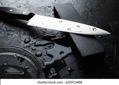 Knife sharpening with whetstone sharpener