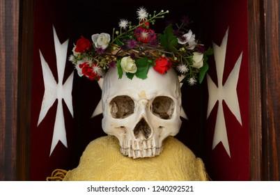 Knights Templars skull remember that you must die symbol