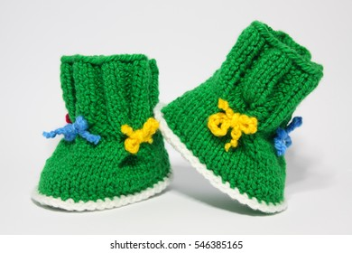 knitted woolen shoes for young children