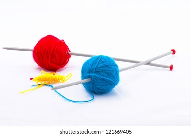 Knitting according Mondriaan in red, blue and yellow