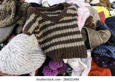 Knitwear, knitted hats placed the market in Thailand.