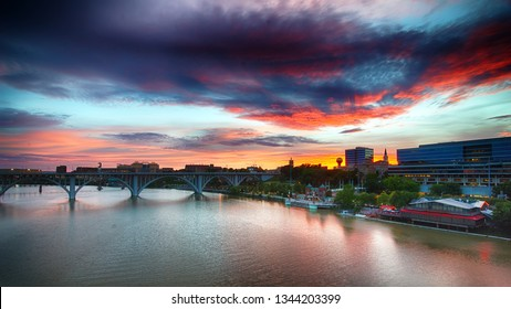 Knoxville, Tennessee skyline at sunset