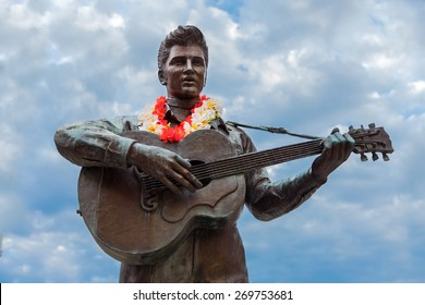 KOBE, JAPAN - OCTOBER 26: Elvis Statue in Kobe, Japan on October 26, 2014. The statue had been in Harajuku, Tokyo since 1987 and it was moved to Harborland, Kobe in 2009