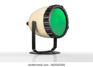 KODAK BEEHIVE DARKROOM SAFELIGHT: Plymouth Devon UK September 27th 2020:  1950s Kodak Beehive Darkroom Safelight with Green Glass Filter for Film Processing Film Developing. Clipping Path in JPEG