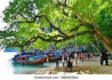 Koh Lao Lading  ,Krabi - December 31,2020 : a Paradise Island named  Koh Lao Lading located in Krabi province, Thailand.