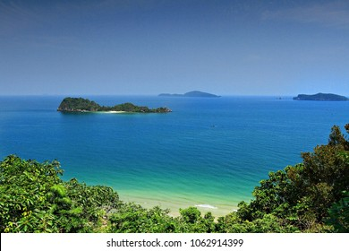 Koh Maphrao or Coconut Island, Maphrao Island is a bird's nest concessionary island in Chumphon Thailand