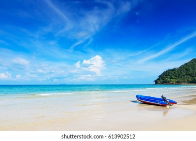 Koh Tao island, tropical beach Surat Thani Province, Thailand. Unseen paradise island with clear blue sea, sky and withe sand beach Koh Tao Thailand for holiday season in summer. Thungwualaen Beach