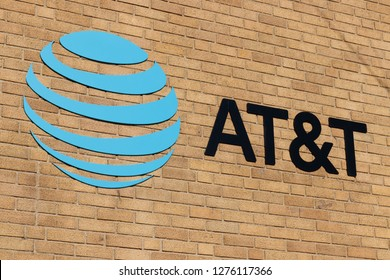 Kokomo - Circa December 2018: AT&T Mobility Wireless Retail Store. AT&T now offers IPTV, VoIP, Cell Phones and DirecTV III