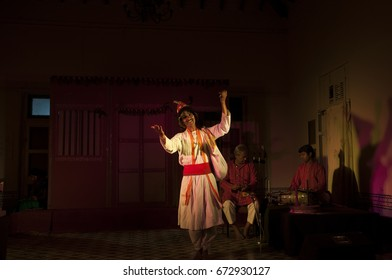 KOLHAPUR, MAHARASHTRA, INDIA 24 MARCH 2015 : unidentified actor playing drama or cultural program for foreign tourist at New Palace.