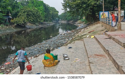 Kolkata, 10/20/2019: Adi Ganga / Tolly's Nullah, a small tributary of Ganges river flowing near Kalighat, in Kolkata. Once the main flow of Hooghly river, currently it has turned into a sewer channel.