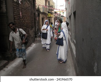 KOLKATA, INDIA - JANUARY 27: Sister of Missionaries of Charity at the streets of Kolkata, India on January 27, 2009.