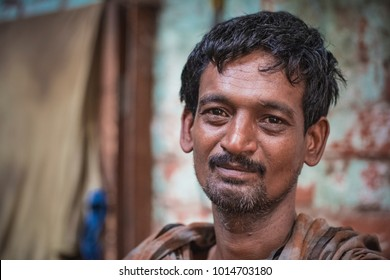 Kolkata, West Bengal, India. 12 May, 2017. Documentary. Portrait of unidentified indian man at the street.