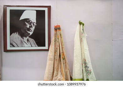 "KOLKATA-SEPTEMBER 26:Image of kazi nazrul islam-famous Bengali poet during  the ""Tant"" saree Fair-A traditional Bengali saree  made in West Bengal and Bangladesh on September 26 2014 in Kolkata,India."