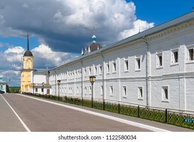 Kolomna Kremlin, view of the wall of the Holy Trinity Novo-Golutvin monastery from the street of St. Filaret