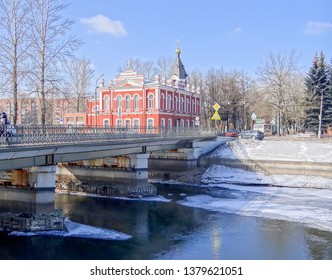 KOLPINO, RUSSIA - MARCH 22, 2013: Photo of Church-school of the Ascension of the Lord and the Ascension Bridge over the Soviet canal.