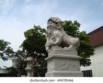 Komainu; lion-shaped guardian dogs, sitting facing each other
