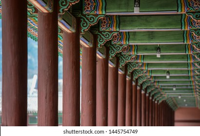 Korea, Gyeongbokgung Palace, roof tile, tile-roofed house, ancient palace, traditional multicolored paintwork on wooden buildings, dancheong, pillar