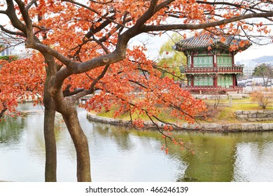 Korean Architecture and Red Leafs