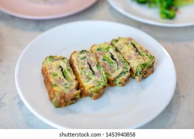 Korean egg rolls mixed ham and broccoli, Tamagoyaki