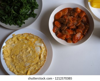 Korean food, rice cake stick and chilli sauce simmered(Tteokbokki)
