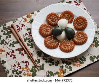 Korean food Songpyeon, half-moon-shaped rice cake and  Yakgwa, Honey Cookie