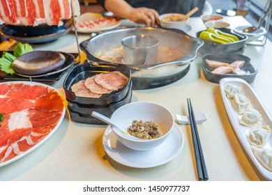 Korean hotpot with beef, seafood and noodles