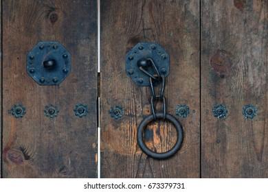 A Korean style gate Doorknob