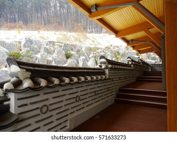 korean style pattern wall and roof
