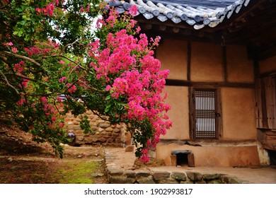 Korean traditional house garden-shaped flower