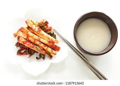 Korean wine, Makgeolli and leek kimchi