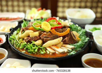 Korean-style dishes with ribs and various side dishes