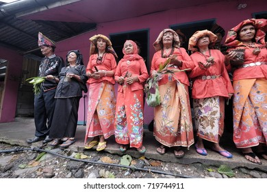 Kota Belud Sabah Malaysia-Jul 3,2015 : Group of Dusun ethnic bobolian performing ritual to appease the spirit of Akinabalu the guardian of Mount Kinabalu.The rituals held after quake hit the mountain.