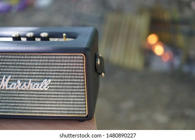 Kota Bharu, Malaysia, Circa Mei 2019 - Marshall speaker bluetooth use for wireless listening music in the forest.
