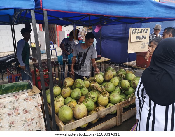 KOTA KINABALU, MALAYSIA, June 1, 2018: Street scene at ramadan bazaar selling delicacies catered for iftar or buka puasa.