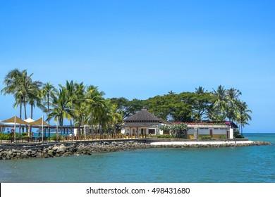 Kota Kinabalu,Sabah-Feb 4,2016:Beautiful tropical palm trees at Bar Shangri-La's Tanjung Aru Resort and Spa, Kota Kinabalu on 4th February 2016.