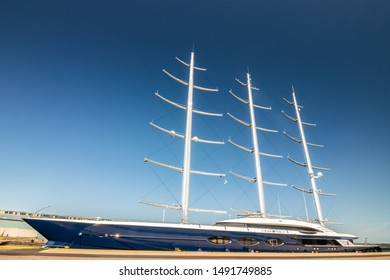Black Pearl Ship Images, Stock Photos & Vectors | Shutterstock