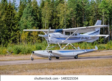 Imágenes, fotos de stock y vectores sobre Cessna+aircraft