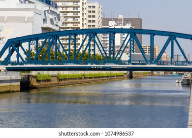 Koto-ku, Tokyo, Japan. April 20, 2018. The Nishifukugawa Bashi Bridge on the Onagi River in eastern Tokyo.