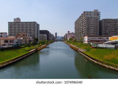 Koto-ku, Tokyo, Japan. April 20, 2018. The view west along the Konaki River towards the Sumida River. As seen from the Onagi River Clover Bridge.