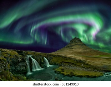 Kp 5 northern light over Kirkjufell mountain in iceland
