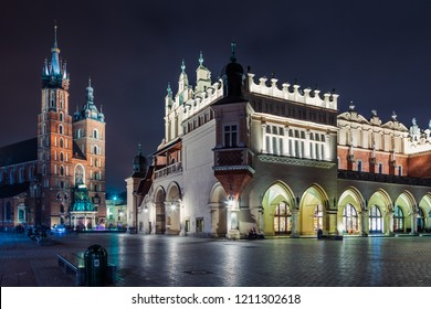 Krakow, Poland - October 8, 2018: St. Mary's Basilica (Church of Our Lady Assumed into Heaven) in Krakow, Poland at nightSt. Mary's Basilica (Church of Our Lady Assumed into Heaven) and Cloth Hall in