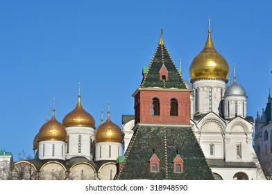 The Kremlin churches. The walls of the Kremlin and churches from the side of the Moscow river.